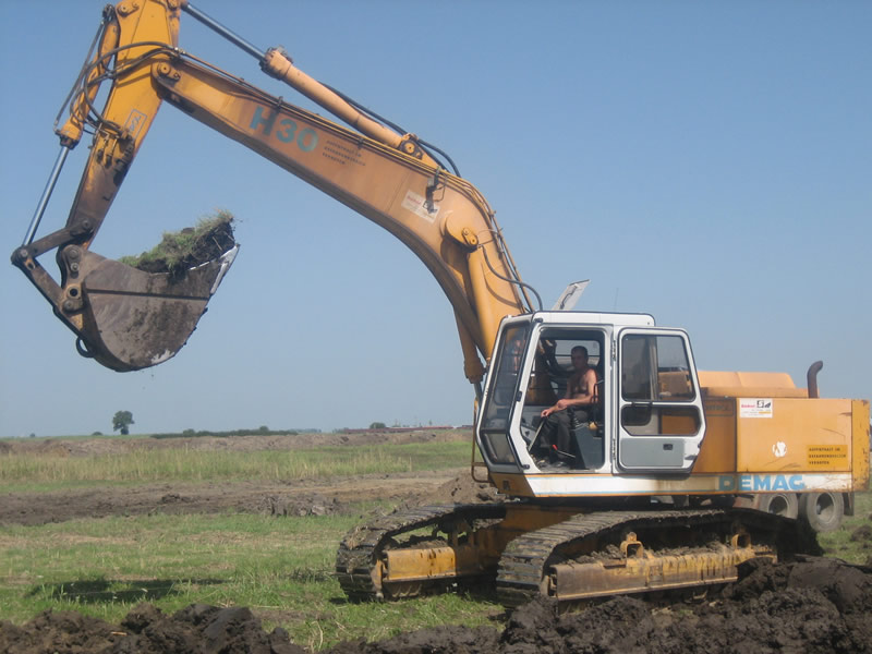 inchiriez_excavator_timisoara