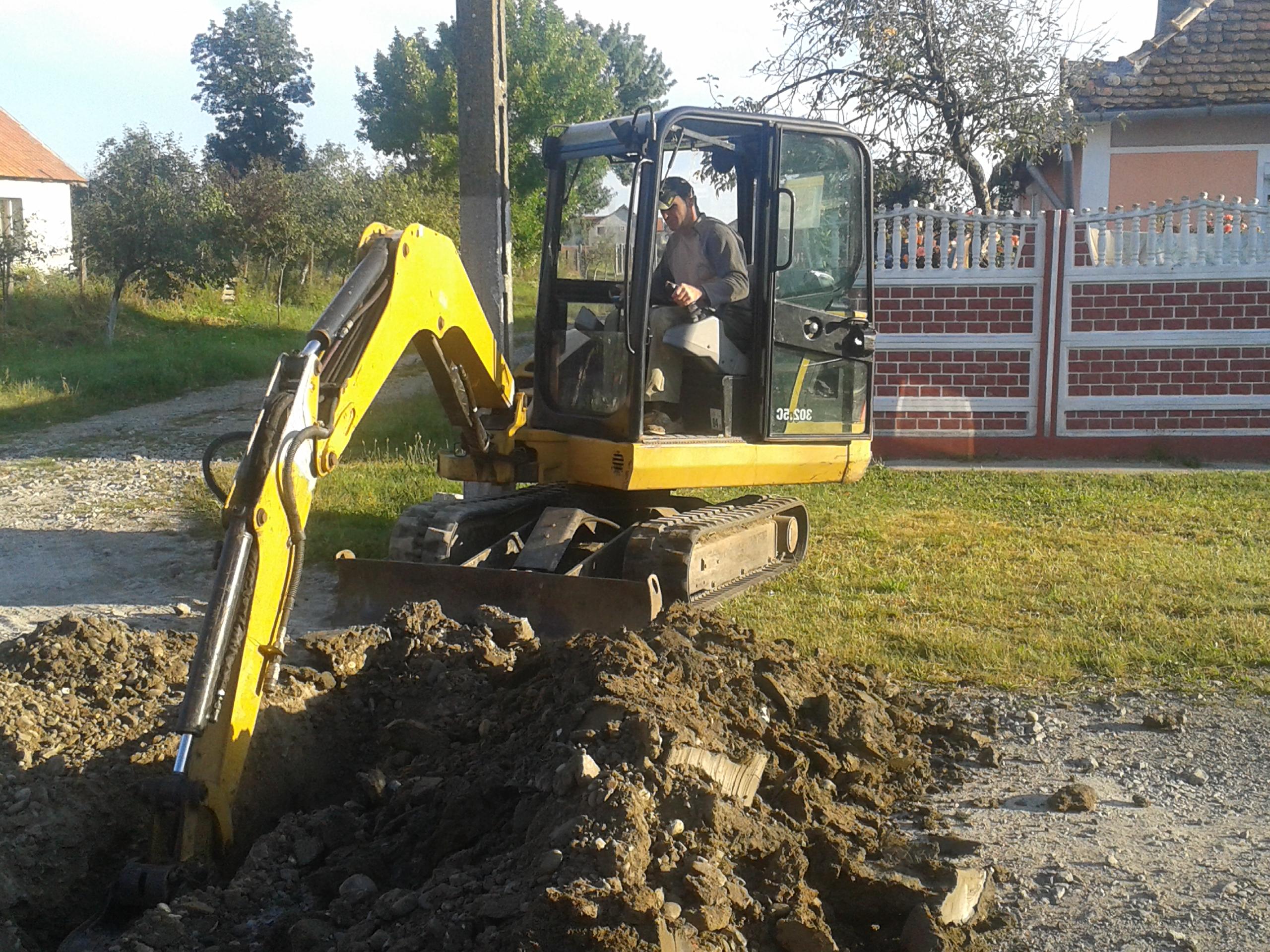 Bobcat, Mini-excavator